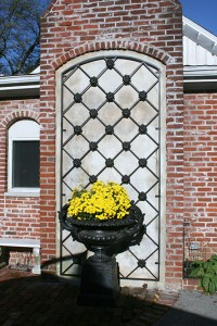 Inset Arched Wall Trellis with Rosette Castings